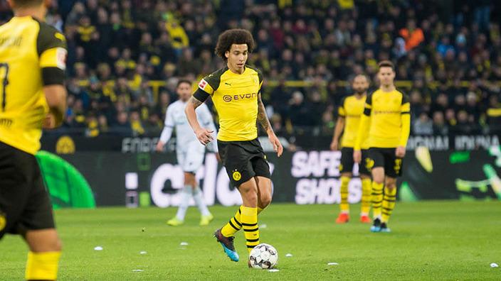 BVB-Spieler auf dem Fußballfeld während eines Spiels
