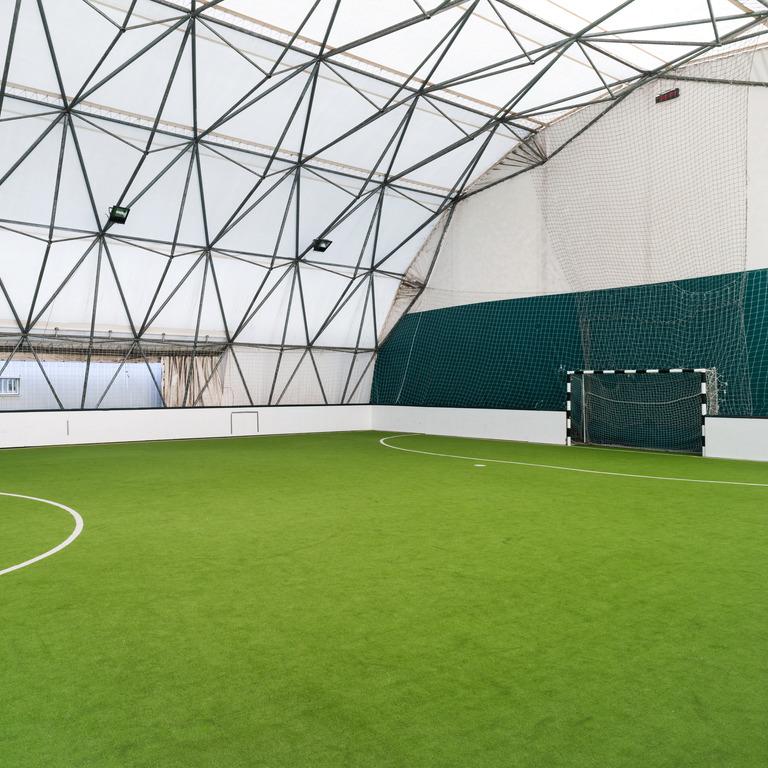 Fußballplatz in der Halle