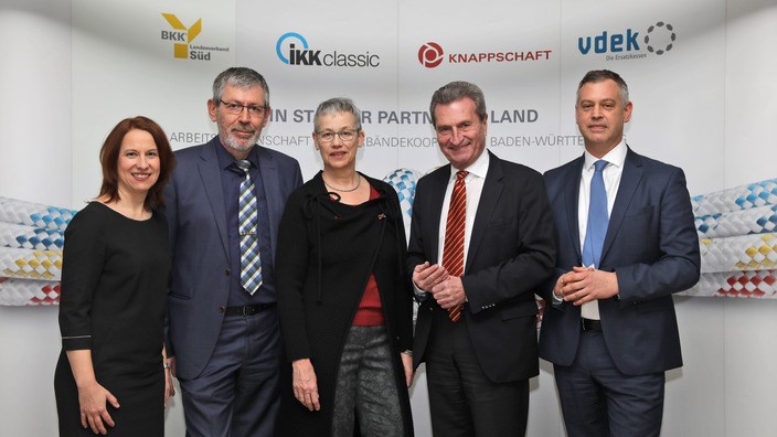 EU-Kommissar a.D. Günther H. Oettinger mit den Veranstaltern der B 52-Verbändekooperation
