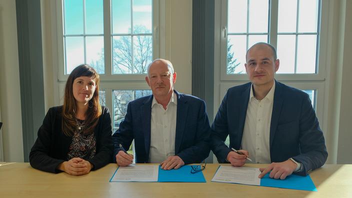 Gruppenbild zur Kooperationsvereinbarung im Jobcenter Eisenach