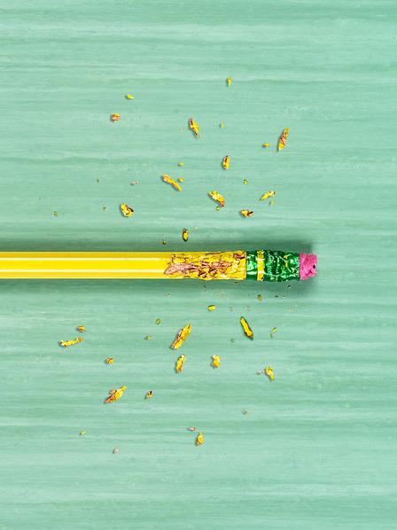angenagter Bleistift