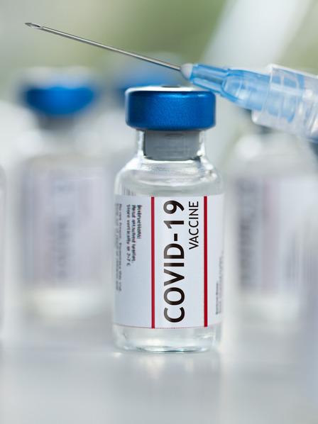 Impfampullen des Covid-19 Impfstoffs